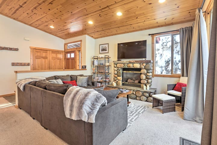 NEW-Tahoe Donner Resort Condo-6mins to Donner Lake