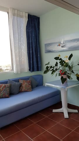 Big room suitebathroomOceanView CostaAdejeTenerife