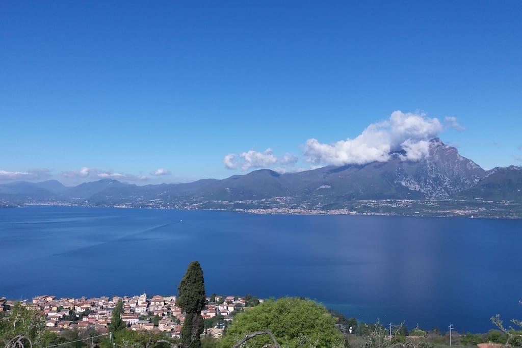 La località di Albisano offre una vista memorabile.