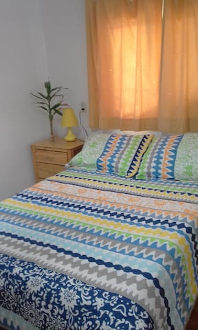 Private room available in historic Portobelo. - Portobelo - Hus