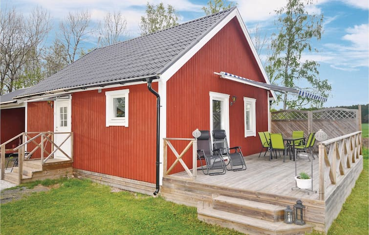 Holiday cottage with 1 bedroom on 65m² in Götene