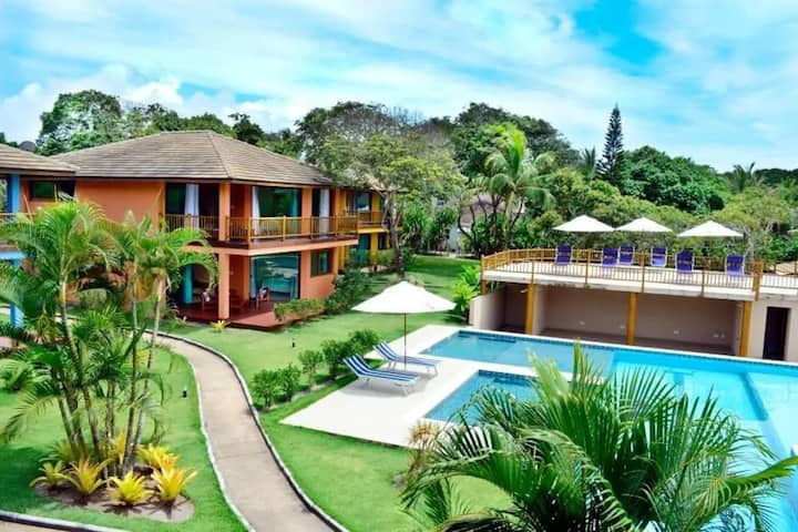 Casa Bela Ana - maravilhoso condomínio com piscina 50mts da praia