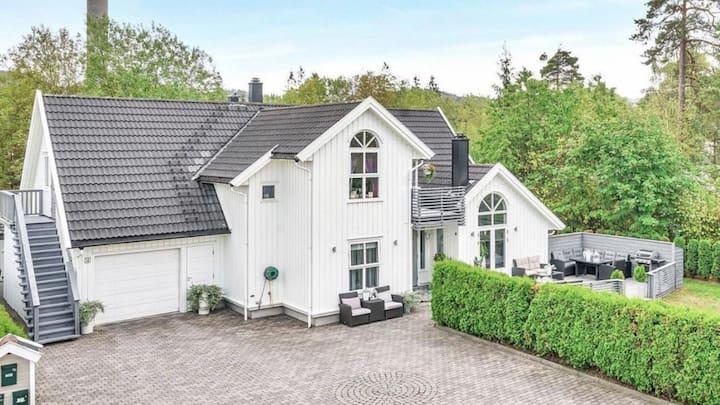 Flott og romslig bolig på det glade sørlandet