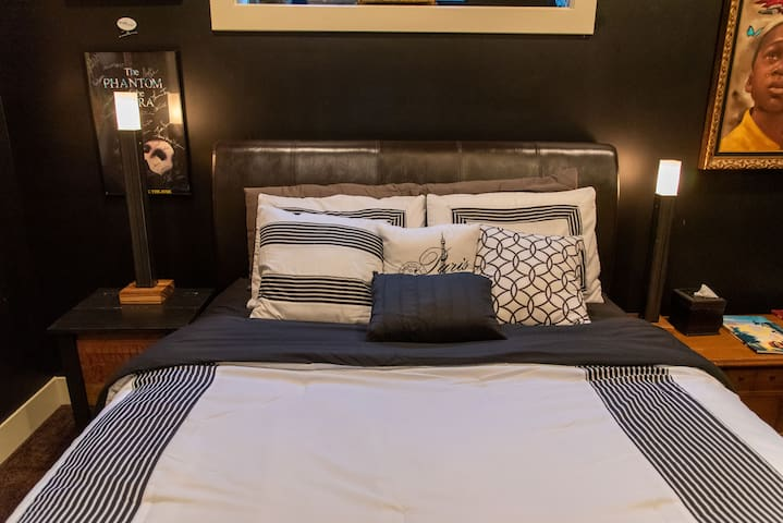 The Deeply Rooted Room: Airbnb Superhost