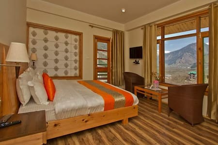 Luxury Villa - 2 Rooms w/ Balconies & Breakfast