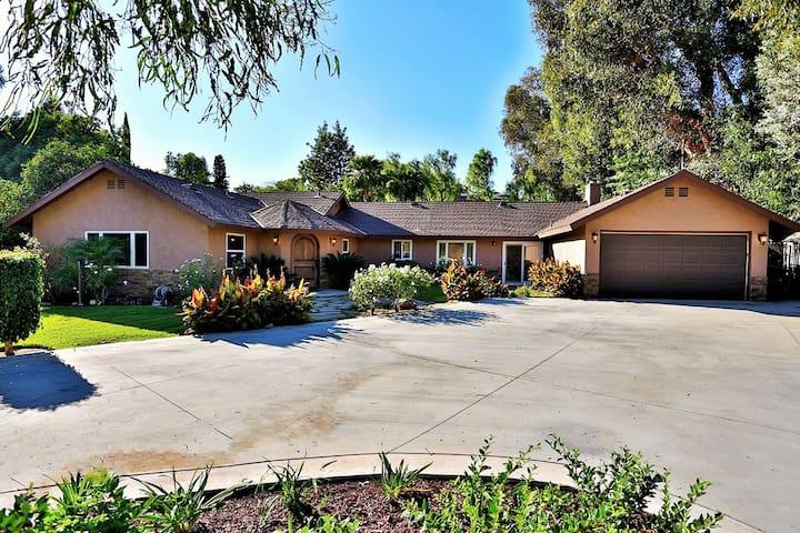 Large Home near Disneyland & Beach - Yorba Linda - Ev