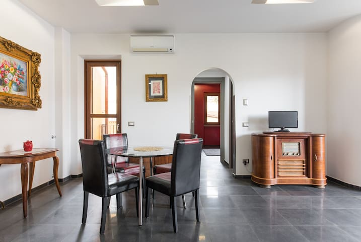 Domus Roma Trionfale 3 Apartments by Maria