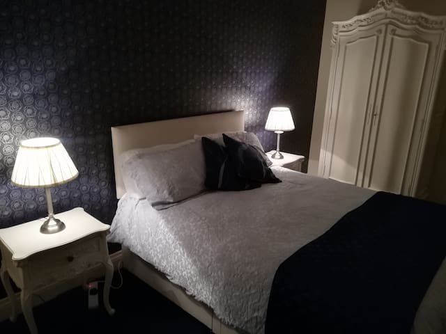 Deluxe Double | Self-Catering | Luxury Period Home