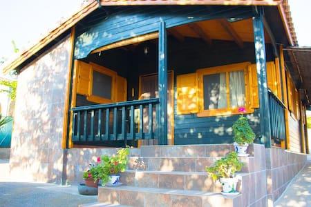 La casita verde de Vilafamés - Vilafamés - House