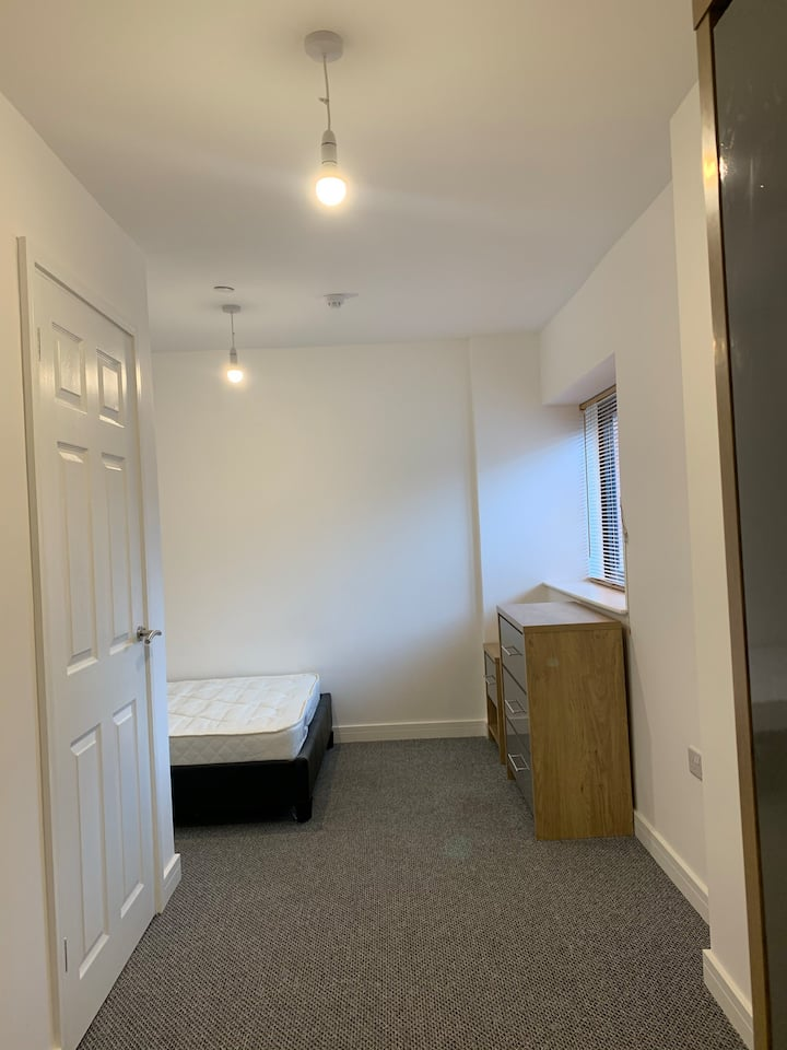 En-suite Room in Gloucester City
