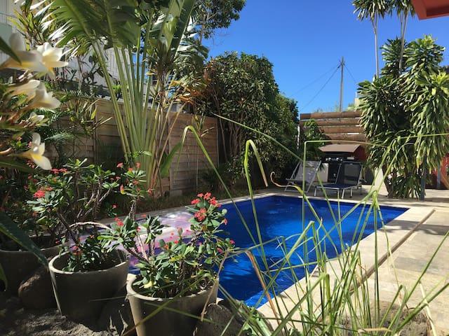 studio avec piscine à deux pas du centre ville