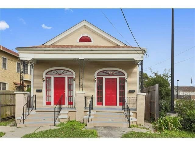Bayou House With Jacuzzi Tub Houses For Rent In New Orleans Louisiana United States