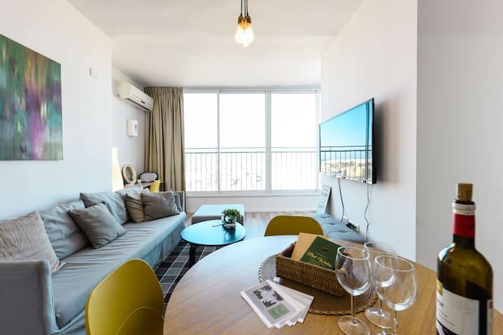 Beach front luxury apartment - Dizingoff St.