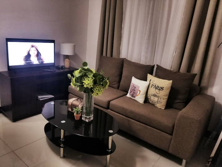 Hampton Suites Garnet