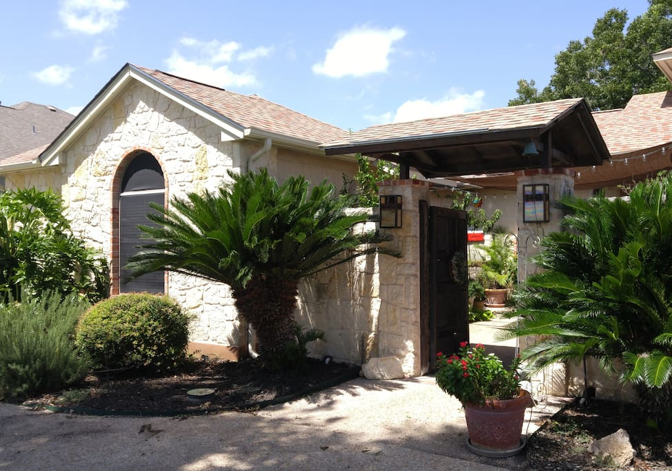 Mi casita hideaway guesthouses for rent in new braunfels - 2 bedroom suites in new braunfels tx ...