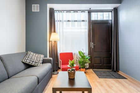 """Duplex Original à """" Petit prix """" au centre ville"""