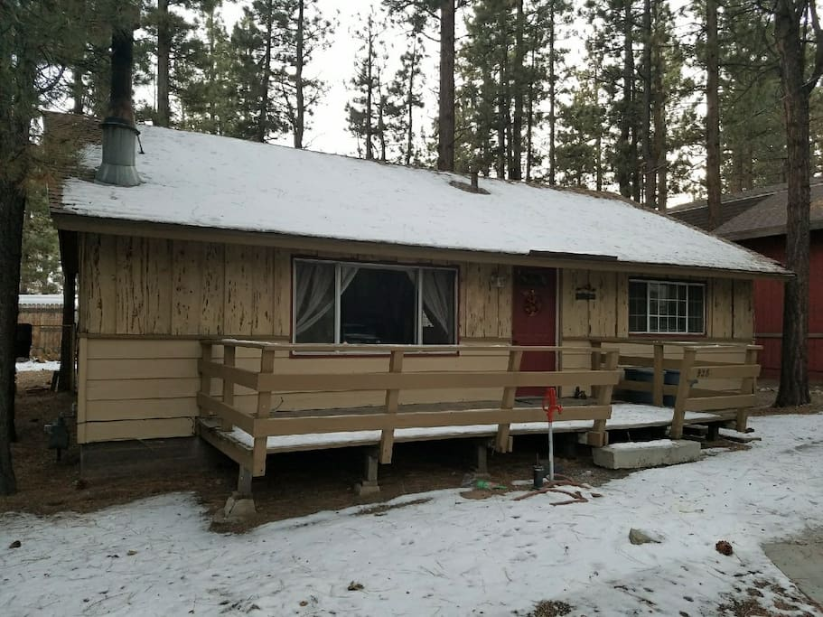 Cozy winter cabin cabins for rent in big bear for Cabin cabin vicino a big bear ca