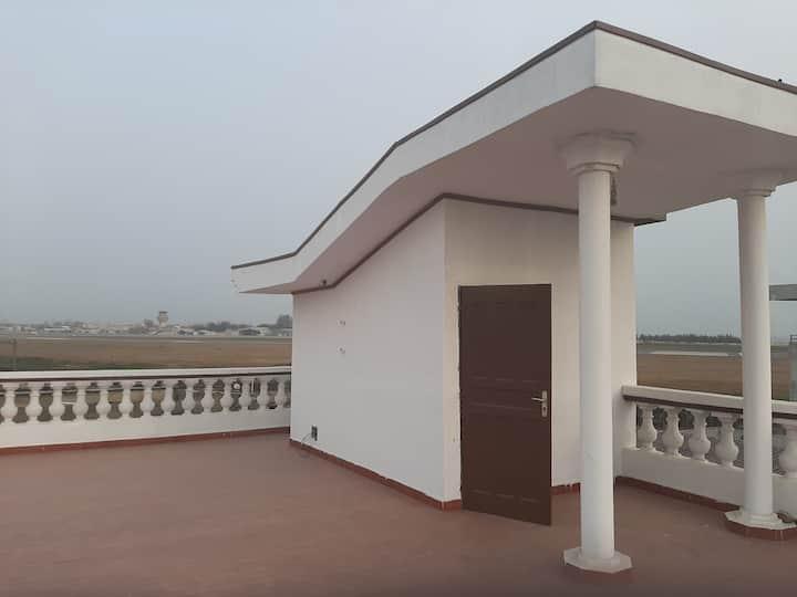 Villa 33