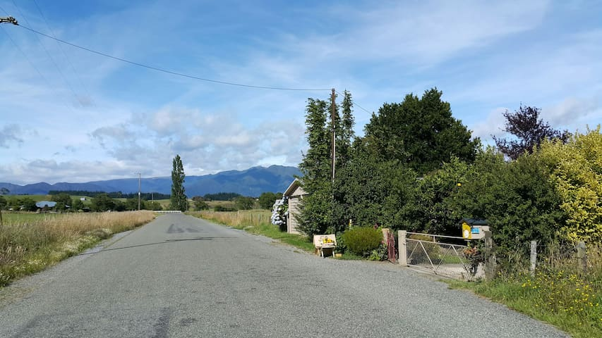 Friendly Rural Home 6mins to beach! - Takaka - Huis