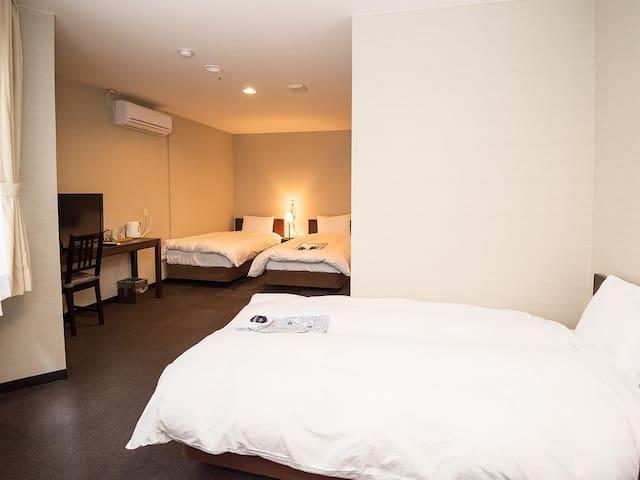 Futabaya Hotel  Triple Room Breakfast included