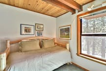 Lower Level,Bedroom,