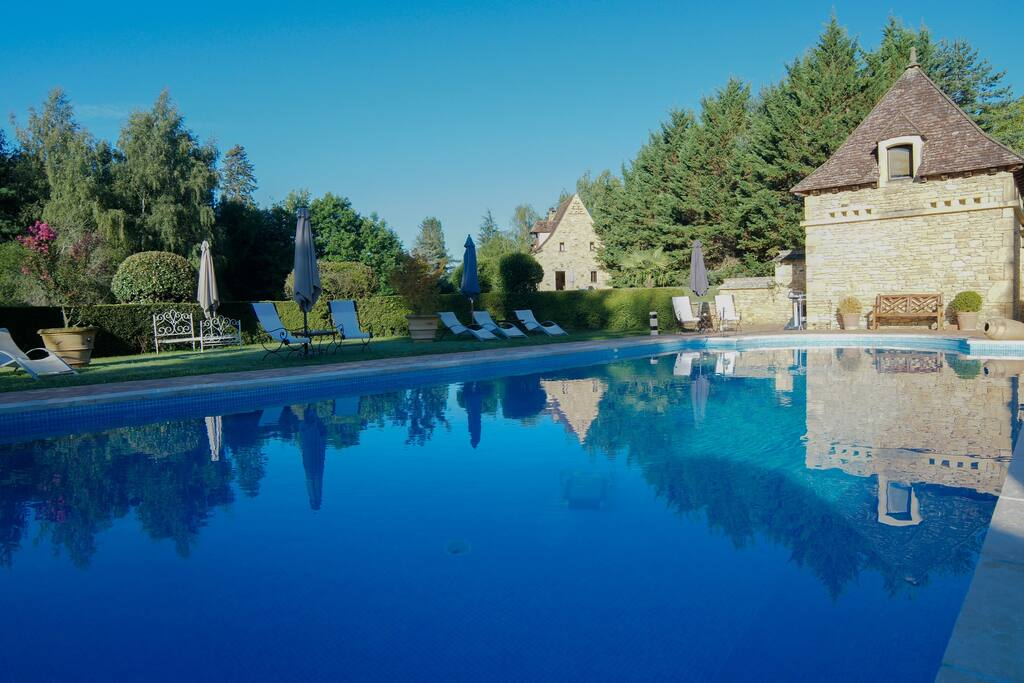 Proche sarlat gite de charme 2 3 pers avec piscine for Camping proche sarlat avec piscine