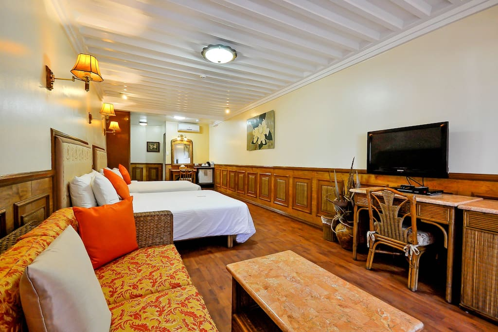 An Executive Room, just steps away from White Beach Station 2.