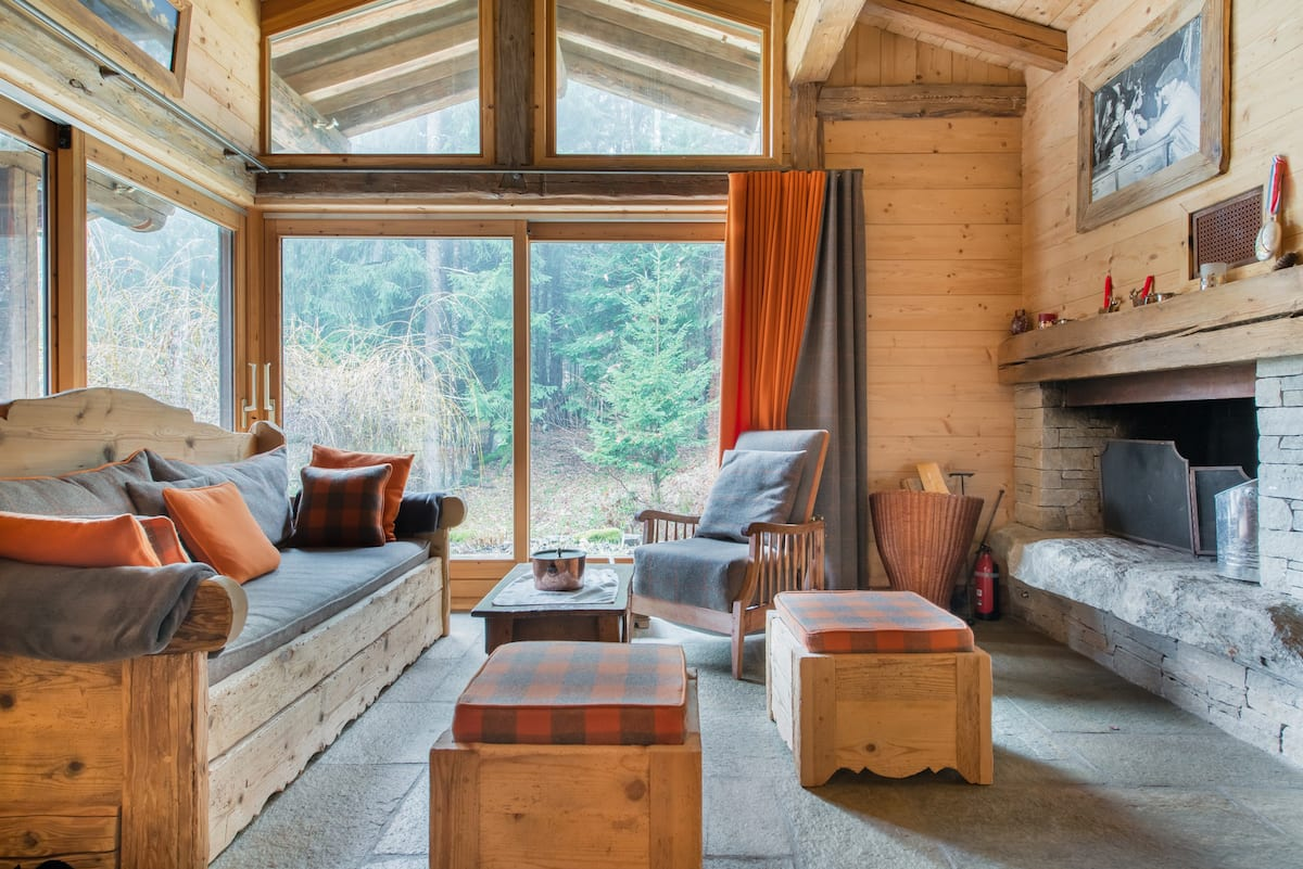 Charming Old Wood and Stone Chalet view Mont Blanc