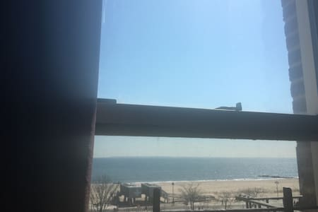 King Size Bedroom with Ocean View - Brooklyn - Apartment