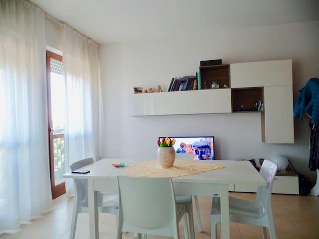 Appartamento a metà fra il mare e Sarzana