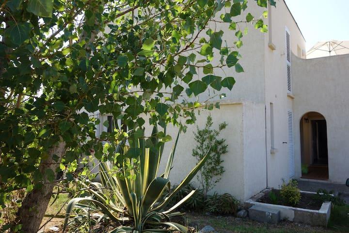 appartement RDC 42 m² - terrasse et jardin - Taglio-Isolaccio - Lägenhet