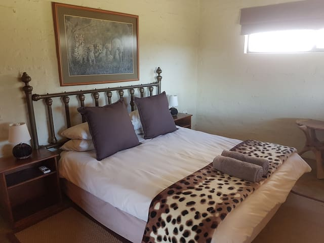 Imbabala Game Lodge (Chalet 2)