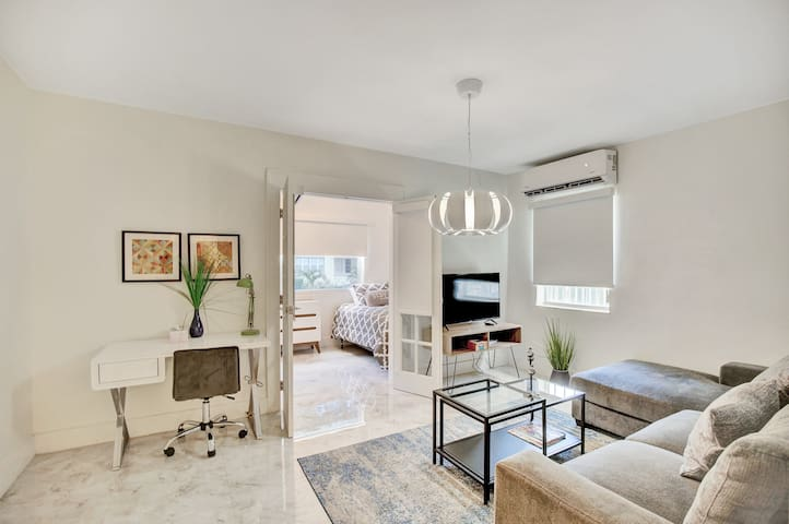 Miami Design District Modern 2BR #104