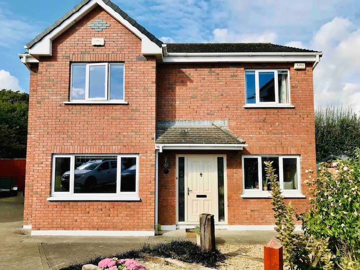 Family Friendly Spacious Detached House