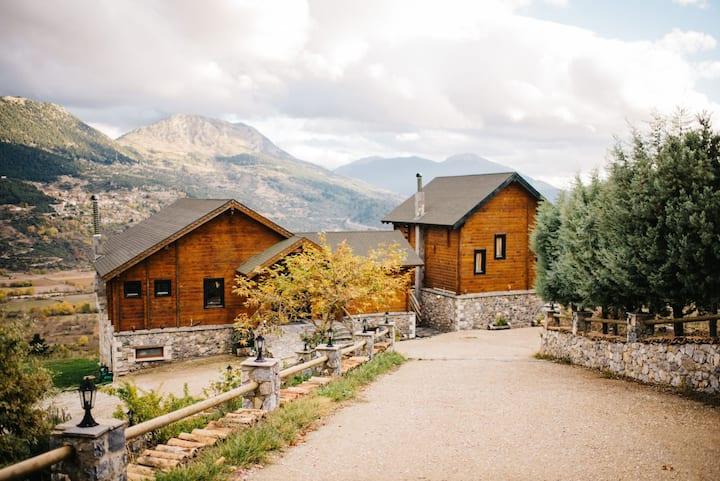 Pasithea Mountain Chalet
