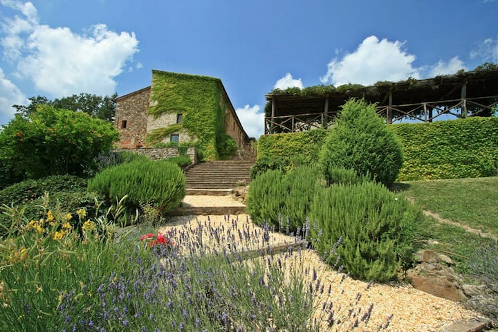 Luxury Villa near San Galgano up to 18 people - Montalcinello - Villa