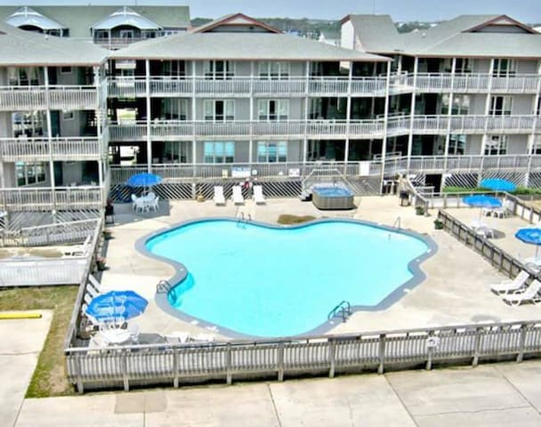 Oceanside OBX  KDH Condo on the Beach Road
