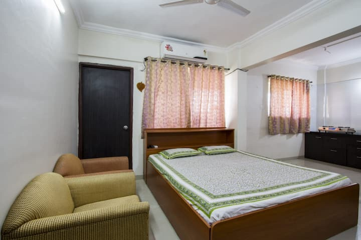 AC furnished Studio Apartment in Koregaon Park
