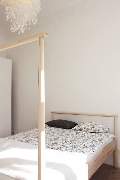 Przytulne i wygodne łóżko / Cozy and comfortable bed