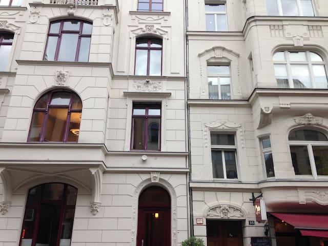 Modern 4 room apartment in popular Südstadt - Colonia - Apto. en complejo residencial