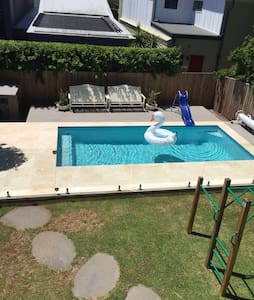 Stunning modern home ideal for 2018 GC Comm Games - Hawthorne - Huis