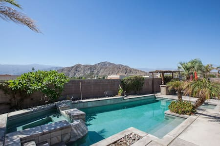 LaQuinta Getaway with Pool & Fantastic View