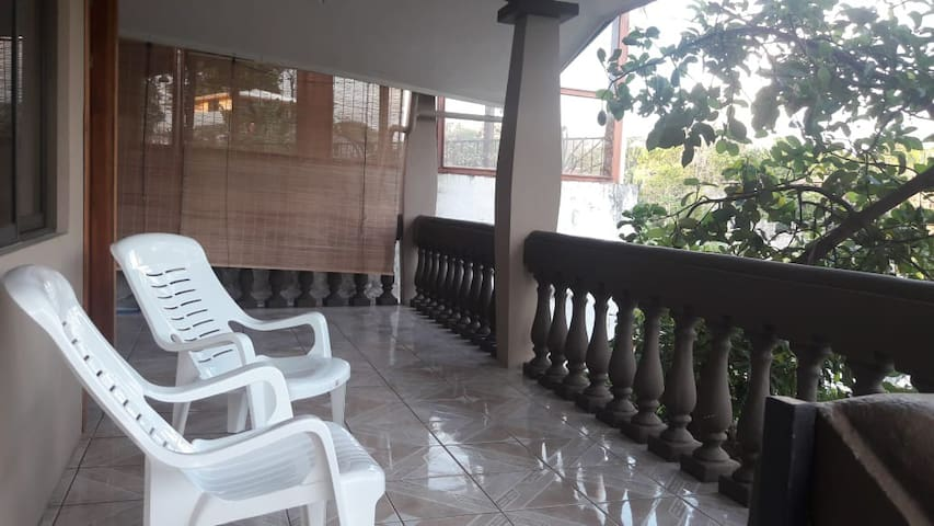 Natural House- with WiFI  in Manuel Antonio