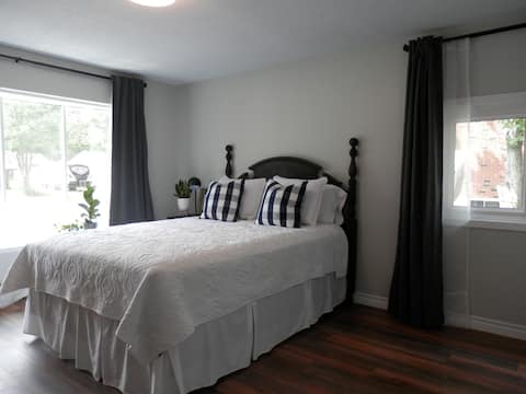 Light and Bright, Main Floor Guest Suite