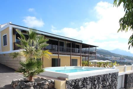 Villa Amagante - unique finca on private 7000m2 - Adeje, Tenerife - Villa