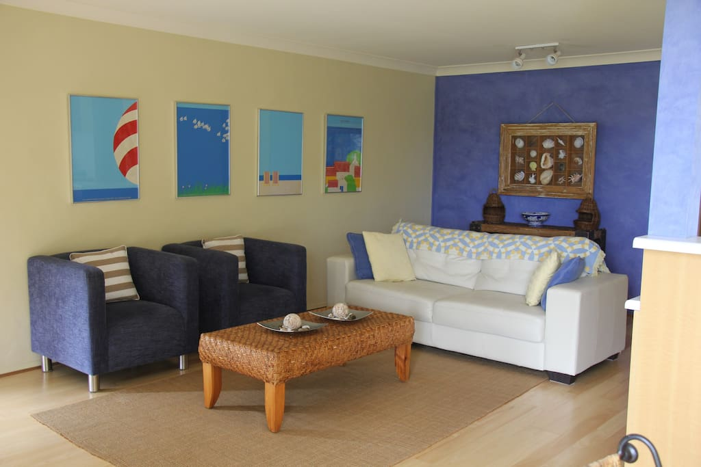 Stylish, self-contained waterfront apartment for two, with spectacular views of Jervis Bay.