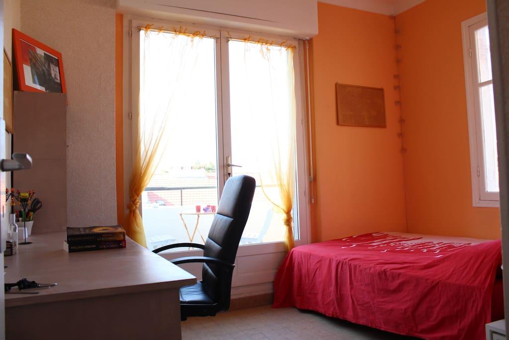 Chambre dans appartement du centre ville de nice for Chambre a louer nice