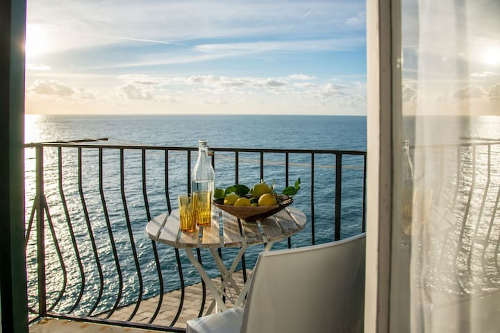 Apt Maestrale sopra, sea view balcony