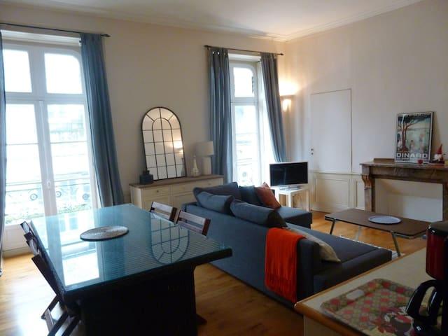 Appartement de charme centre historique - Vannes - Byt