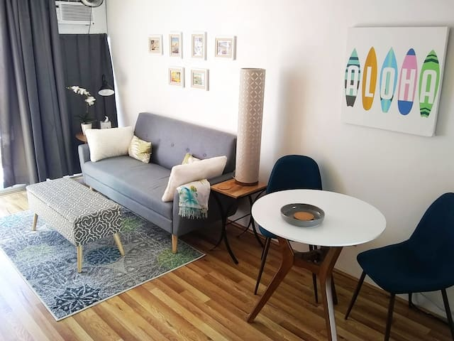 602 Modern, convenient and sparkling clean studio